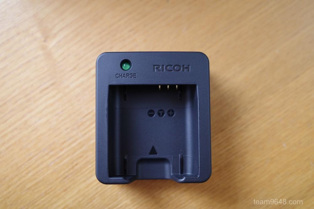 RICOH(リコー) GR3のバッテリー充電器(BJ-11)を買いました。特徴や使い方を。