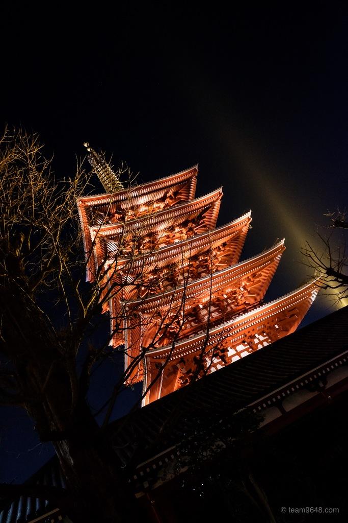 浅草寺 五重塔 ライトアップ