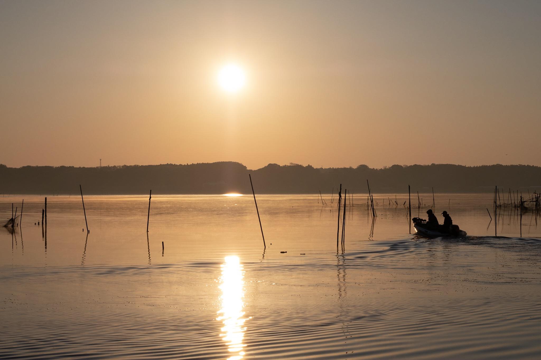 富士フイルム X-H1で撮る印旛沼の朝日。風景用のフィルムシミュレーションを試してきた。